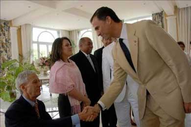 Príncipe Felipe conoció inquietudes de destacados dominicanos y españoles