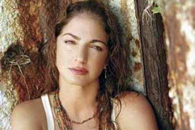 Gloria Estefan y Juan Luis Guerra dedicarán concierto a víctimas de accidente