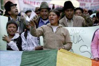 """Indígenas ecuatorianos hacen una masiva concentración para respaldar el """"sí"""" en el referendo"""