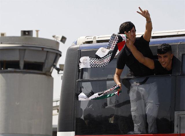 Israel libera a 198 presos de Al Fatah en un gesto de buena voluntad hacia Abbas