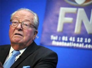 El racista Le Pen vende la sede de su partido a una universidad china