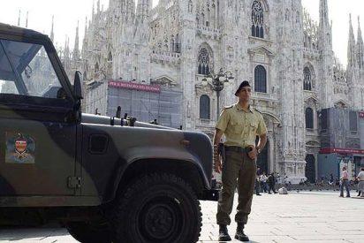 Las tropas italianas empiezan a patrullar las calles para controlar a los ilegales