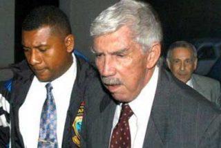 Zelaya dice que rechazó una petición de EE.UU. para asilar a Posada Carriles