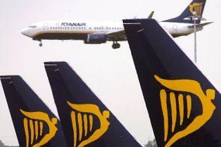 Fomento expedienta a Ryanair por la anulación de sus reservas