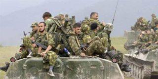 La ciudad georgiana de Poti se llena de tanques y soldados