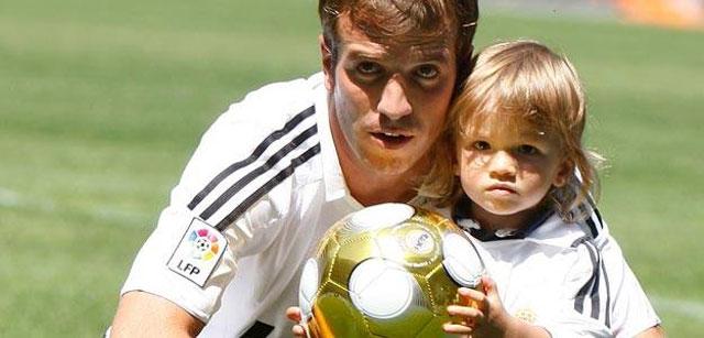 El Madrid quiere vender a Van der Vart