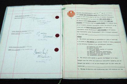 Pagan casi 300.000 euros por el primer contrato de los Beatles
