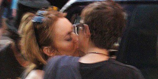 La foto del beso lésbico más esperado