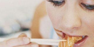 Comer rápido engorda más