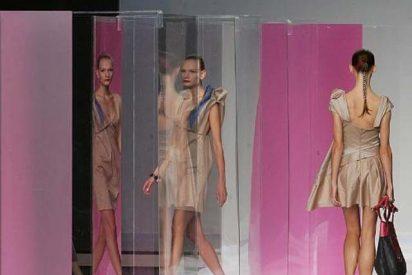 Devota & Lomba tiñe de rosa la Pasarela