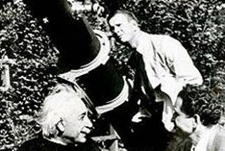 Aparece el telescopio de Einstein