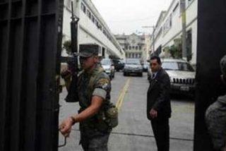 El presidente de Guatemala acude al Ejército tras descubrir que es objeto de espionaje