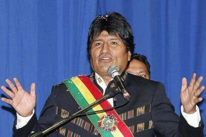 Evo Morales ofrece una casa a cada pareja que se case en Bolivia