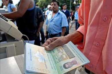 La mafia en Perú falsificaba pasaportes de europeos para ingresar a Estados Unidos