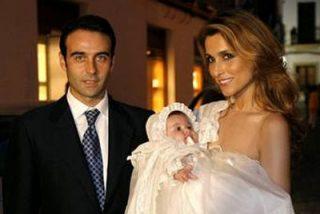 Enrique Ponce y Paloma Cuevas bautizan a su hija