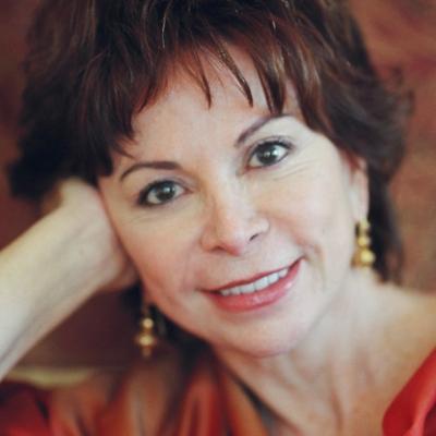 """La escritora chilena Isabel Allende confiesa que padece la """"Gripe A"""""""
