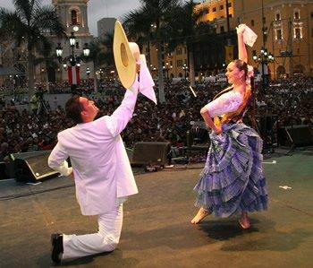 Pamplona acoge una exposición sobre la semana cultural peruana