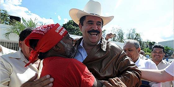 Honduras o la conjura de los necios