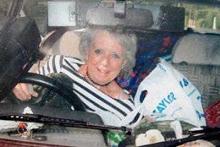 Una adicta a las compras muere enterrada viva por una montaña de objetos