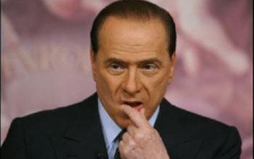 Berlusconi recomienda a los afectados por el seísmo que 'redecoren su vida' con muebles de Ikea