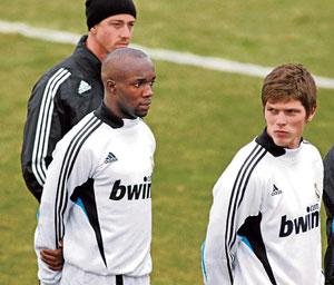 La UEFA rechaza el recurso del Real Madrid para inscribir a Lass Diarra y Huntelaar en la Champions