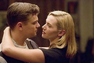 DiCaprio confiesa que los besos con Kate Winslet fueron los más tensos de su carrera