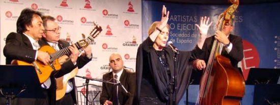 "María Dolores Pradera recibe premio a la ""Excelencia musical"""