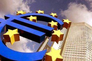 El euro ha cumplido 10 años amenazando la hegemonía del dolar