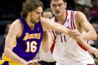 Kobe Bryant acaba con los Rockets
