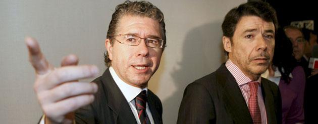 Filtran a El País y a Público dossieres que vinculan al consejero Granados con constructores