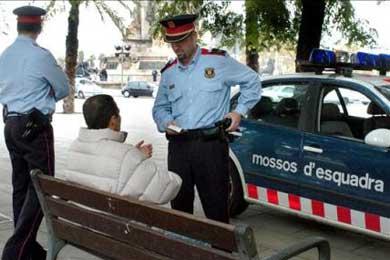 Inmigración y la inseguridad, principales problemas de vecinos de LHospitalet