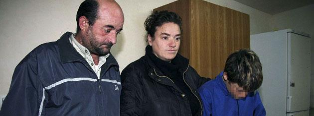 Indultada a la madre que fue condenada por abofetear a su hijo