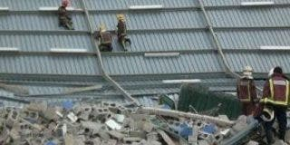 Cuatro niños mueren aplastados tras derrumbarse el techo de un centro deportivo en Barcelona