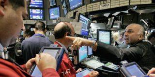 Reino Unido entra oficialmente en recesión y la bolsa y la libra se desploman