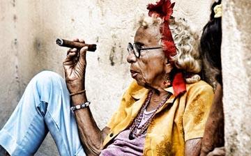 Raúl Castro viste a Cuba con la moda de Zara