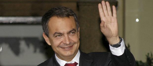 Solbes se desmarca de las previsiones triunfalistas de Zapatero sobre el paro y el fin de la crisis