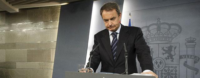 """El 53% cree que Zapatero está """"quemado"""" y le reclama que cambie el Gobierno cuanto antes"""