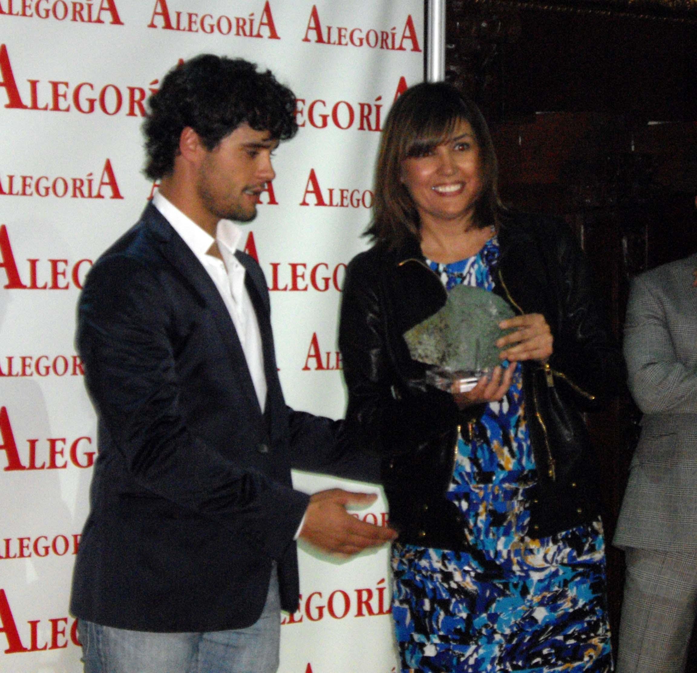 Otorgan Premio de la Prensa y Televisión a Paul Monzón