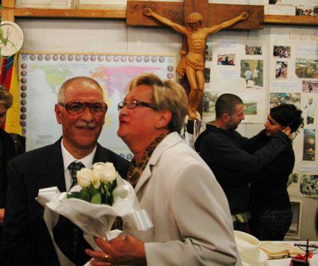 Destituido un cura italiano por casar a una transexual