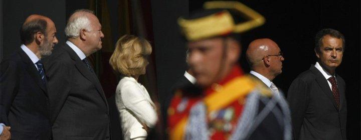 Público acusa a la derecha 'ultra' de intentar reventar el 12 de octubre