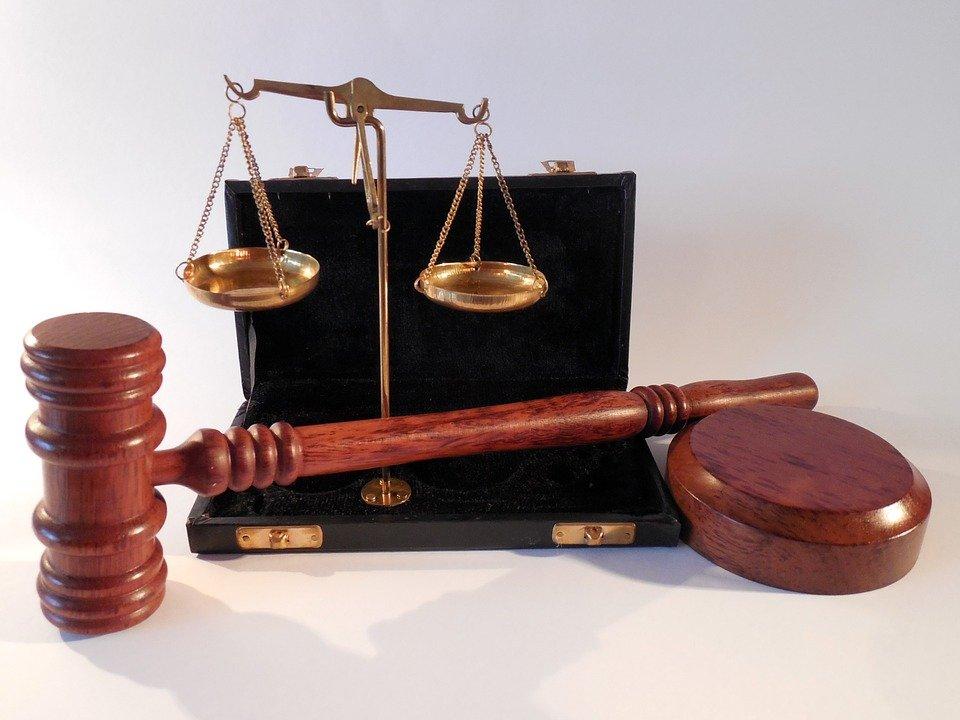 ¿Cómo encontrar al abogado adecuado para solucionar mi problema?