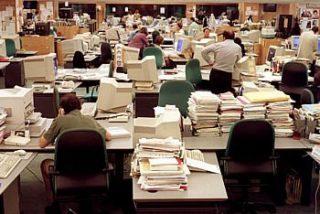 Tsunami en las redacciones: 3000 periodistas al paro en menos de un año