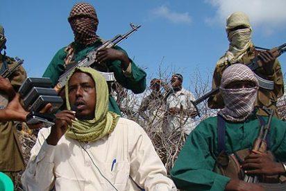 Los fanáticos somalíes premian con armas al joven que mejor recite el Corán