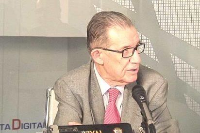"""Juan Velarde: """"España corre el riesgo de que le pase lo mismo que a Argentina"""""""