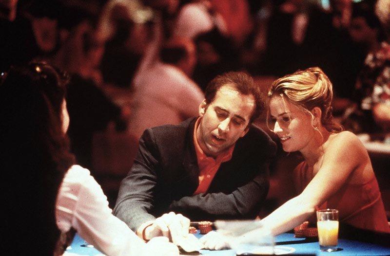 Demanda a Nicolas Cage por haberle acusado de su ruina financiera
