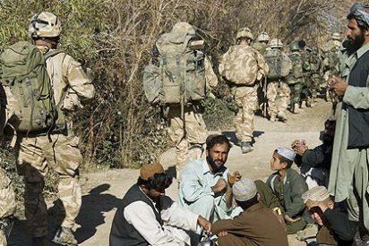 Un policía afgano mata a tiros a cinco soldados británicos que le entrenaban