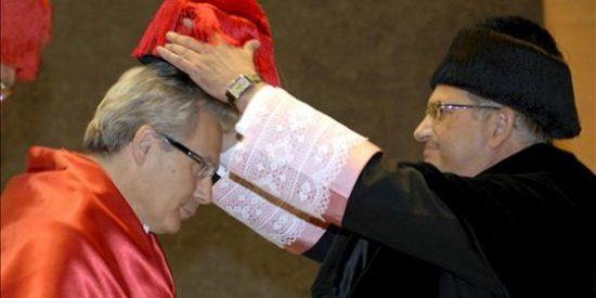 Garzón se cuelga medallas tras poner en peligro la vida de los marineros