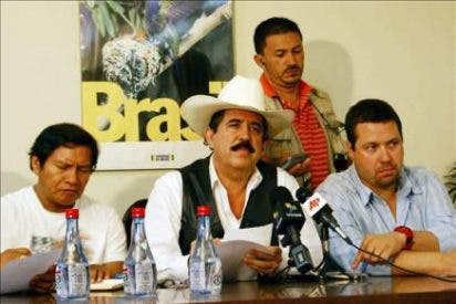 El ex presidente Zelaya ya piensa en exiliarse