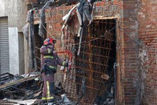 Cuatro jóvenes mueren en un incendio en Barcelona