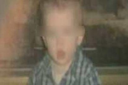 Un niño de 4 años se emborracha y roba los regalos de Navidad de sus vecinos